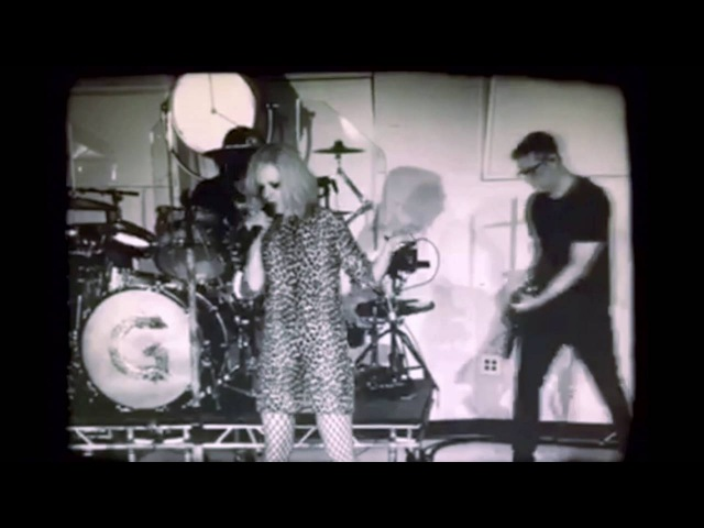 Garbage - Empty (Live at East West Studios)