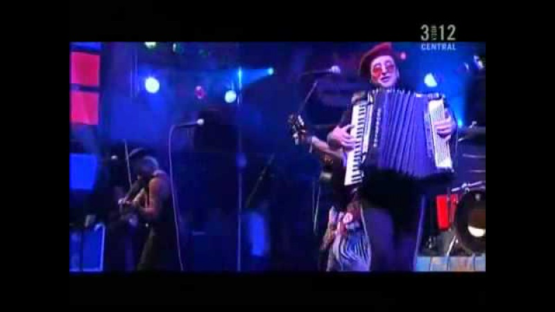 Gogol Bordello - Mala Vida (Live at Lowlands Festival 2006)