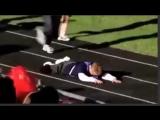 Как поступают дети с синдромом дауна, когда один из них падает на соревнованиях. Урок для всех «нормальных» людей.