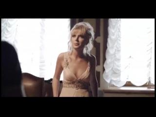 Рыжая студентка мастурбирует до оргазма на траве секс  порно эротика сиськи сисечки грудь домашнее частное проститутки москвы пи