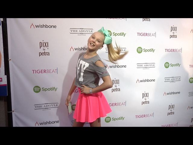JoJo Siwa | TigerBeat Launch Event Pink Carpet DanceMoms