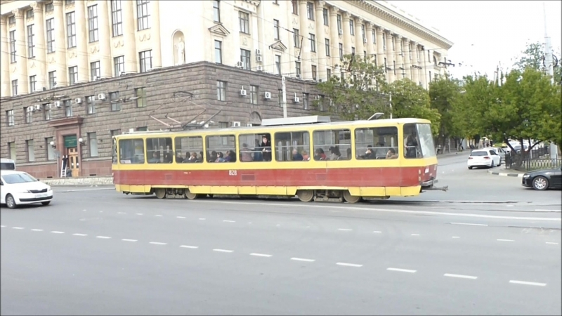 Ростов-на-Дону, Ц. Рынок, трамваи (УКВЗ-71-619, Tatra) 4.05.2016