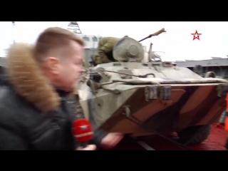Корреспондент «Звезды» уходит в воду вместе с БТР