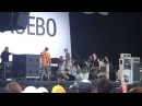 Singer from placebo carried off stage at Summersonic 09 Osaka