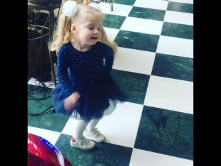Instagram video by ALLA PUGACHEVA • Jan 15, 2017 at 9:53am UTC