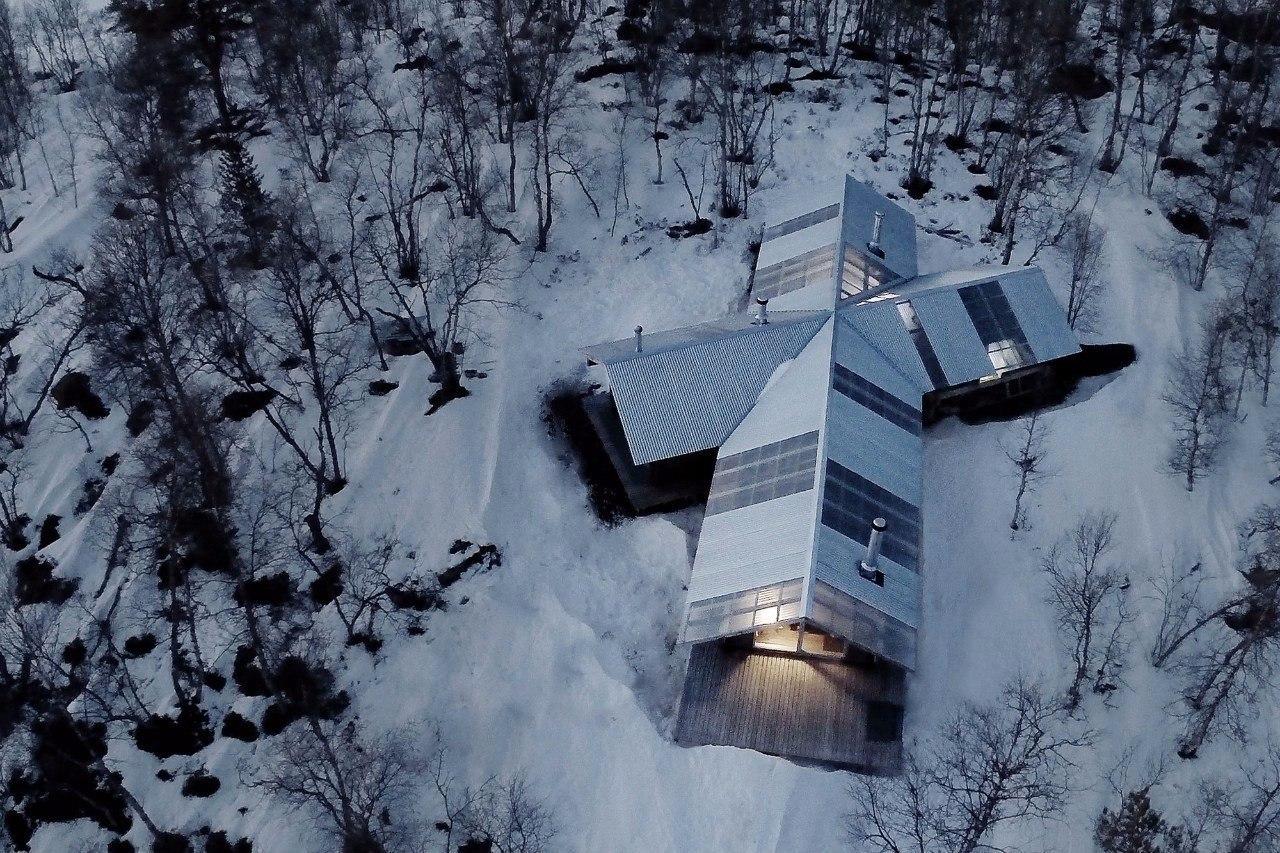 Дом на берегу озера Фемунн в Норвегии