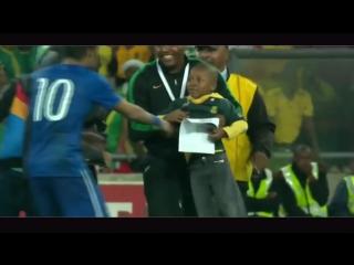 Как великие футболисты относятся к детям