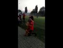 Вот что значит быть девушкой футболиста)гол был красивым))