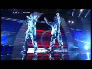 Британская Минута Славы Офигенный танец Красное и Белое