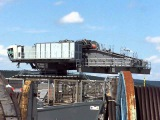 Drehwerks und Motorentest an dem LIEBHERR LR 13000 Crawler Crane