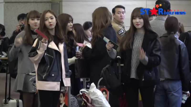 [StarDailyNews] 170107 GFRIEND @ Incheon Airport off to Taiwan