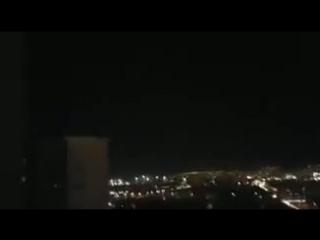 Вертолет ведет огонь во время военного переворота в г.Анкара, Турция. 15 июля 2016 г