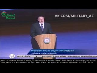 И. Алиев рассказывает на родном языке своим слушателям очередную басню из Азярбайджан-Наме