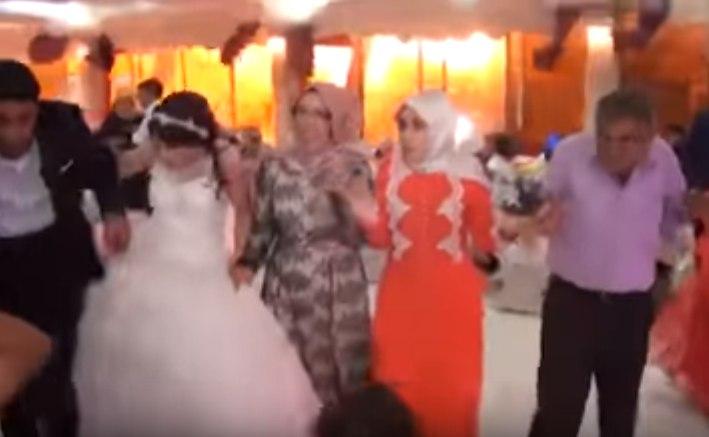 Кровавая свадьба: теракт в Турции попал в камеру оператора