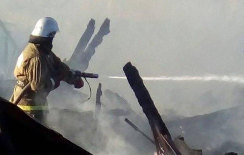 Хозяйственная постройка сгорела на восточной окраине станицы Зеленчукской