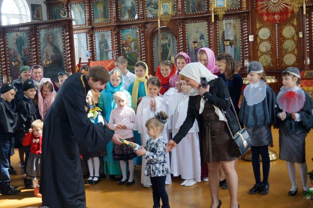 В Покровском храме станицы Кардоникской состоялся Пасхальный утренник