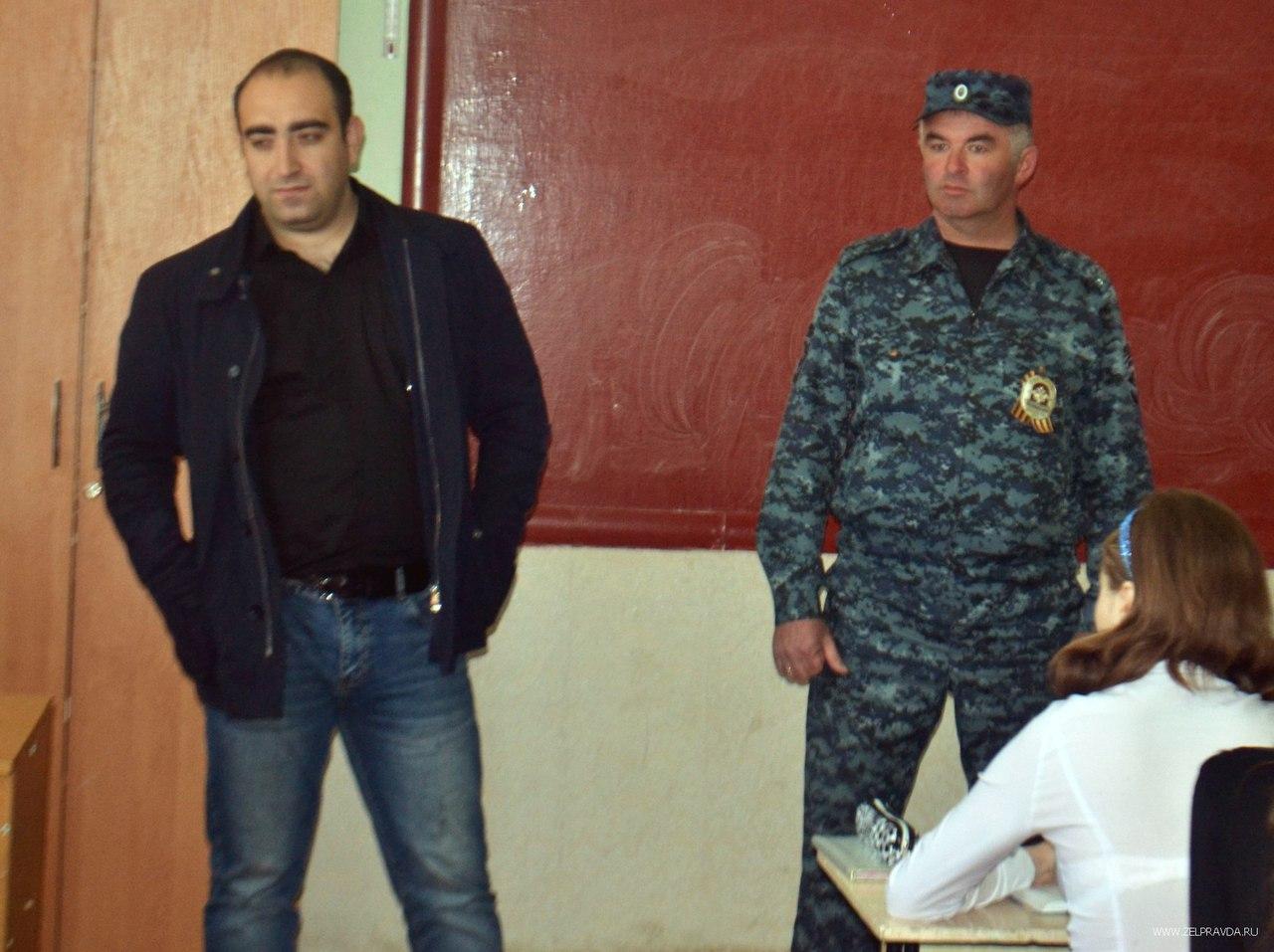 В Зеленчукском районе школьникам и студентам рассказали о вреде употребления наркотиков