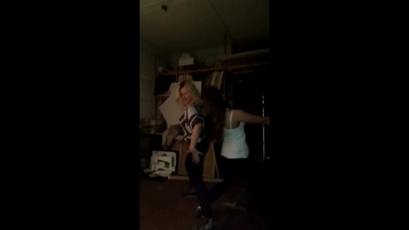 Танец Кати и Ксю