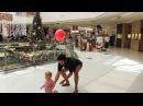Этот папа придумал гениальный лайфхак, как не потерять ребенка в торговом центре