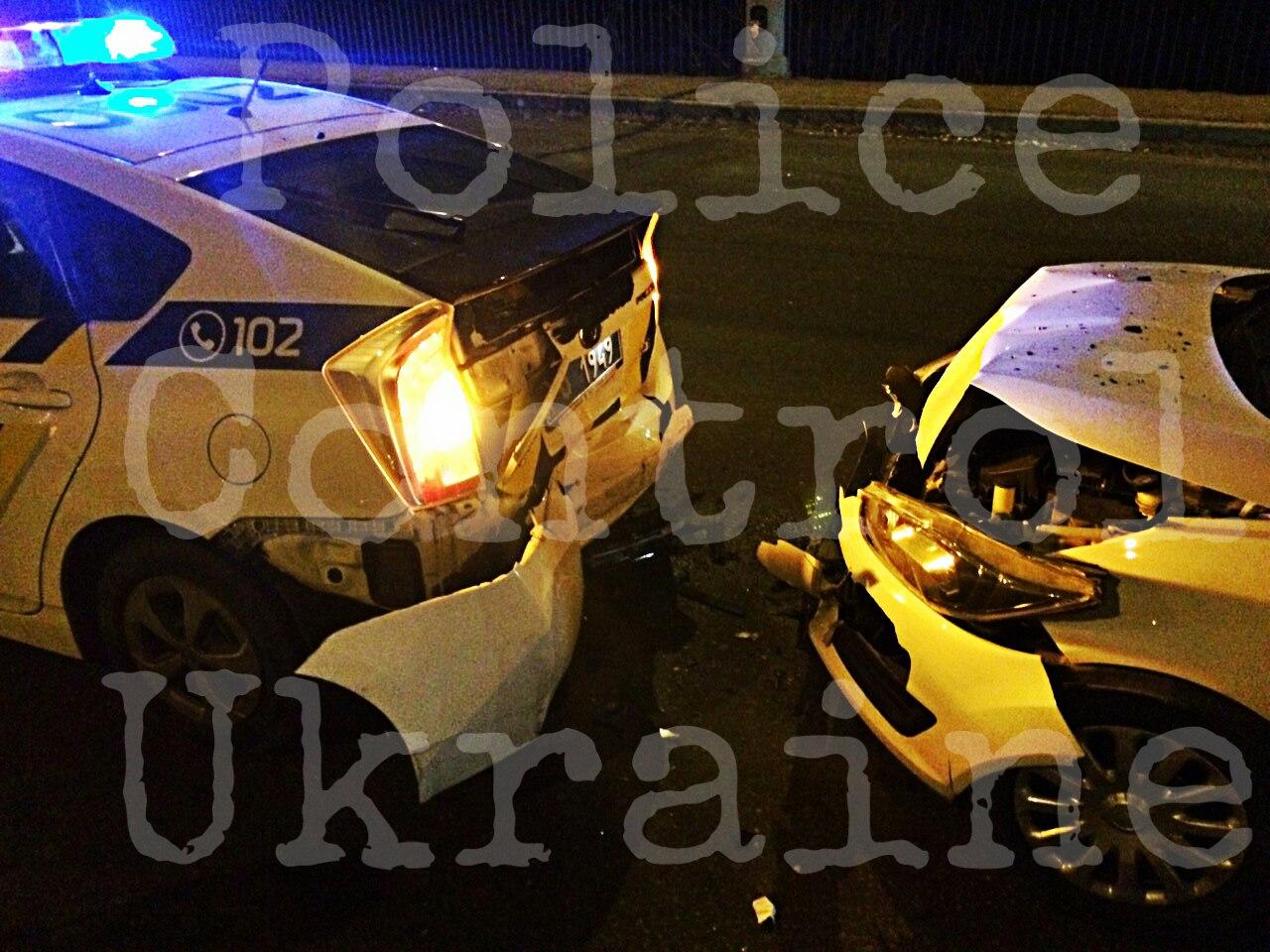 На Салтівці патрульна машина потрапила в ДТП (ФОТО, ВІДЕО) - фото 1