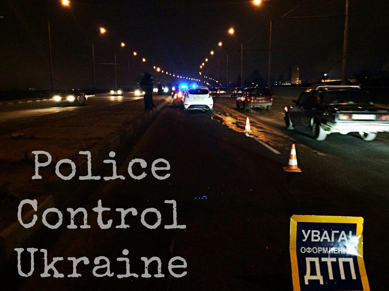 На Салтівці патрульна машина потрапила в ДТП (ФОТО, ВІДЕО) - фото 3