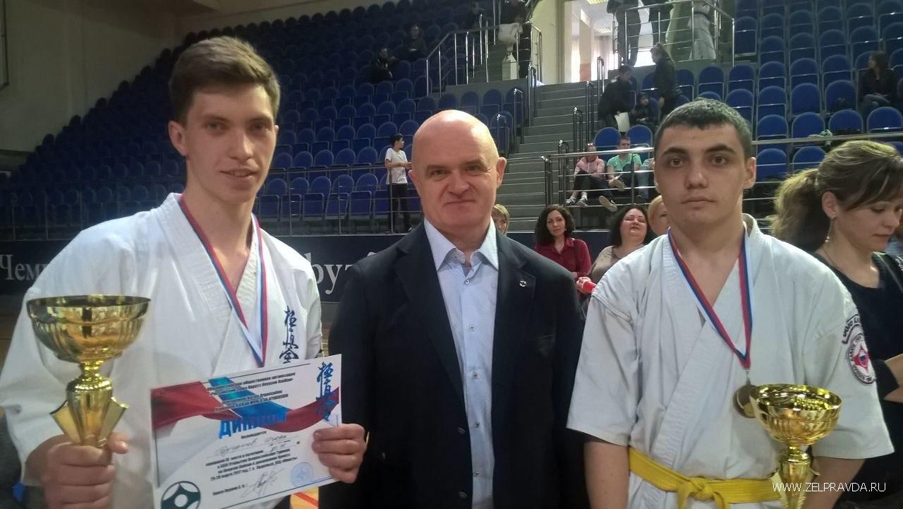 Школьник из Зеленчукского района призер первенства России по карате