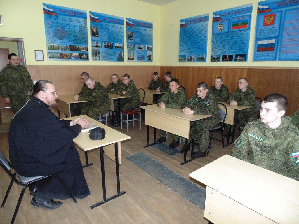 В Зеленчукском районе военнослужащим рассказали о проблемах воспитания детей в семье