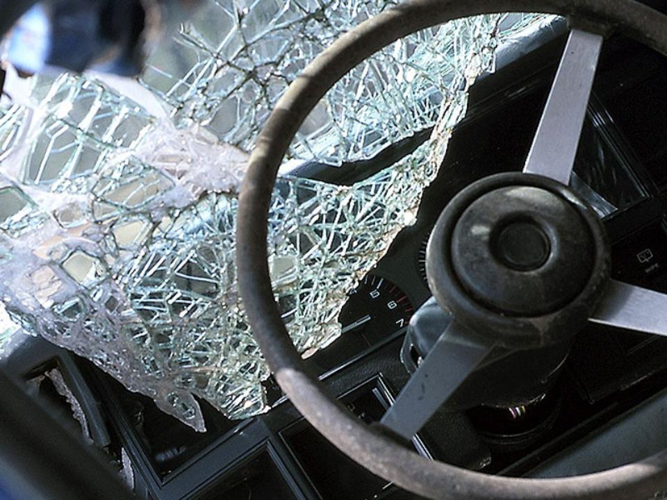 На въезде в Зеленчукский район произошло лобовое столкновение автомобилей