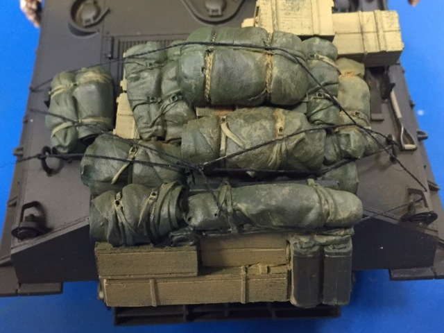 Upgrading your packs and bags on 1/35 armor models