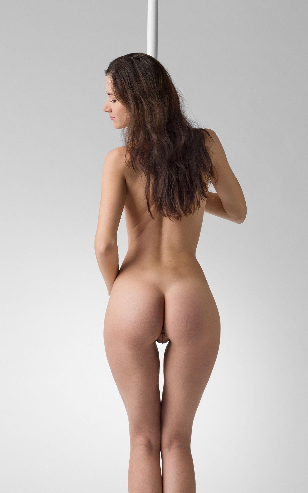 Hot nud gaps 3