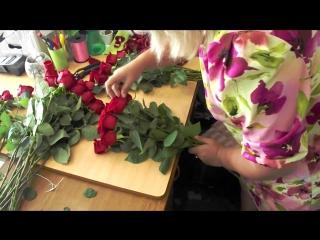 101 роза Стерлитамак Цветочный Город. Доставка цветов 24 часа! Купить цветы круглосуточно! Букеты на 1 сентября