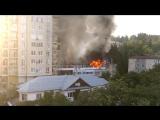 На улице Цюрупы в Сочи горит жилой дом