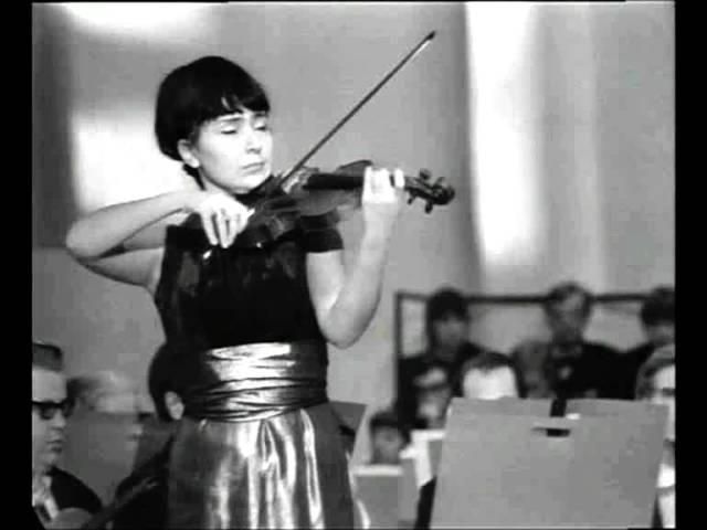 Liana Isakadze spielt Reinhold Moritzewitsch Glière Romanze