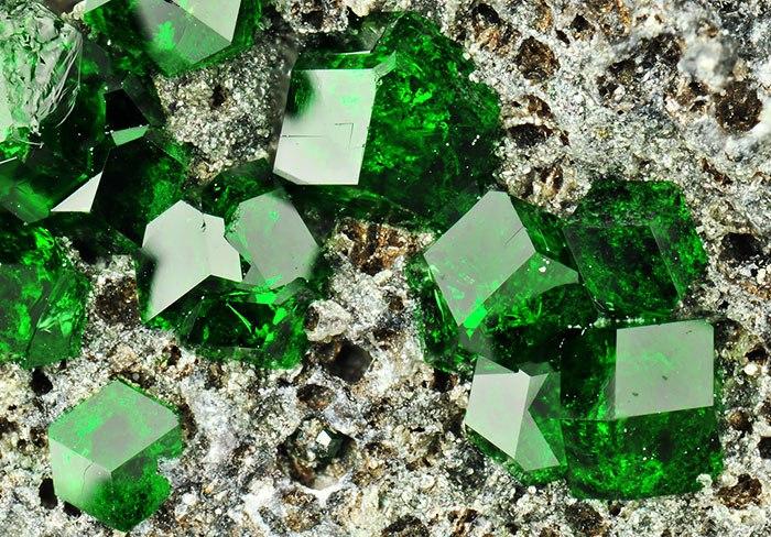 Mh7WI1HW2IU - 25 потрясающе красивых и редких камней