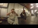 Почему они до сих пор в метро!!Девочка поёт нереально