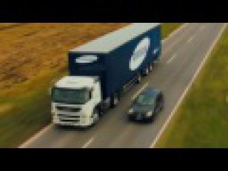 Экран от Samsung на грузовиках помогает водителям на трассе!