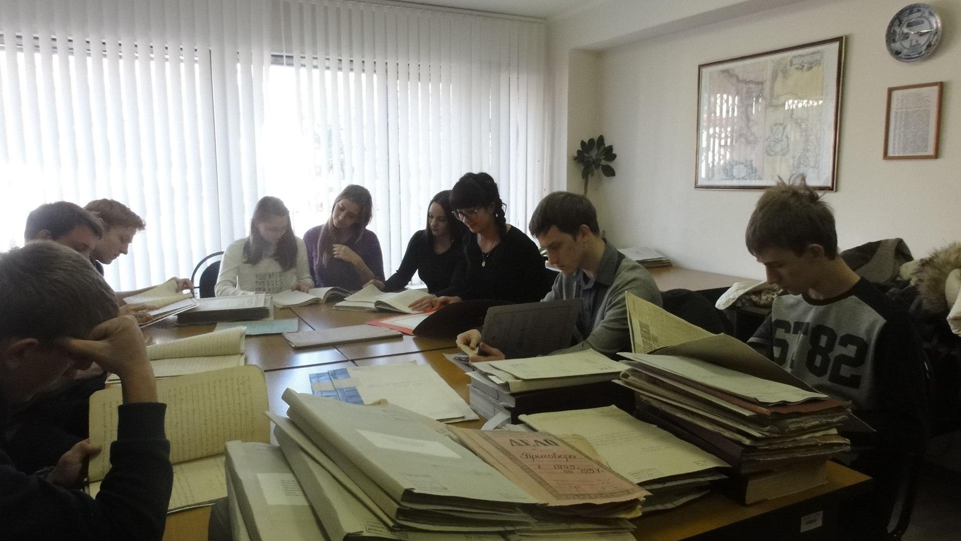 Будущие юристы побывали в Тольяттинском архиве