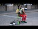 Уличные артисты и музыканты Питера.