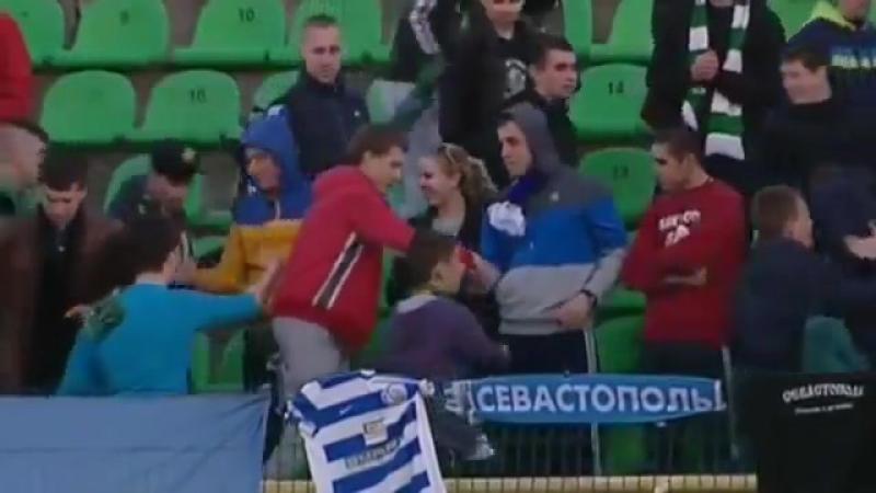Ультрас Карпат і Севастополя обєднались під час матчу!