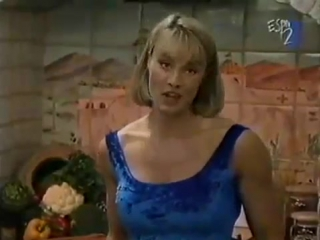 CORY EVERSON - GOTTA SWEAT - Female Bodybuilding Muscle Fitness - Video Dailymotion