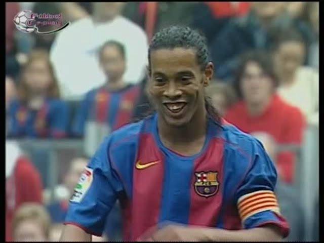 Барселона - Реал Бетис (чемпионат Испании 2004-2005, 30 тур). Комментатор - Денис Цаплинд
