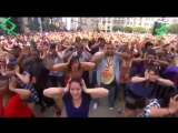 The Black Eyed Peas - I Gotta Feeling (live flashmob) [vk.com/music_play_vk]