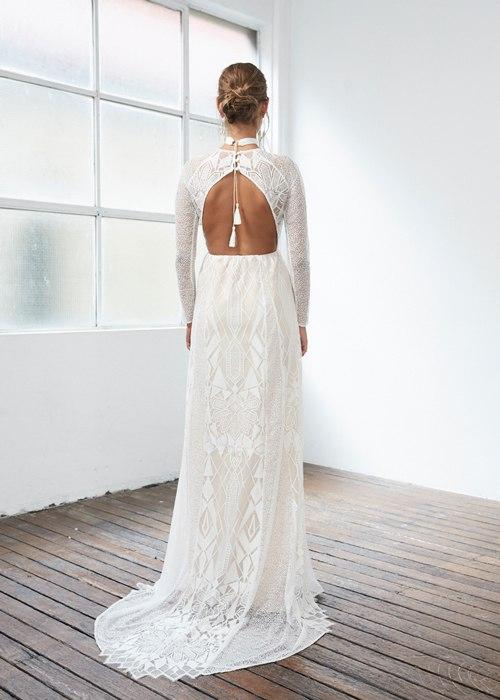 8QDmqeiQPHs - Свадебные платья, изысканные и богемные (6 фото)