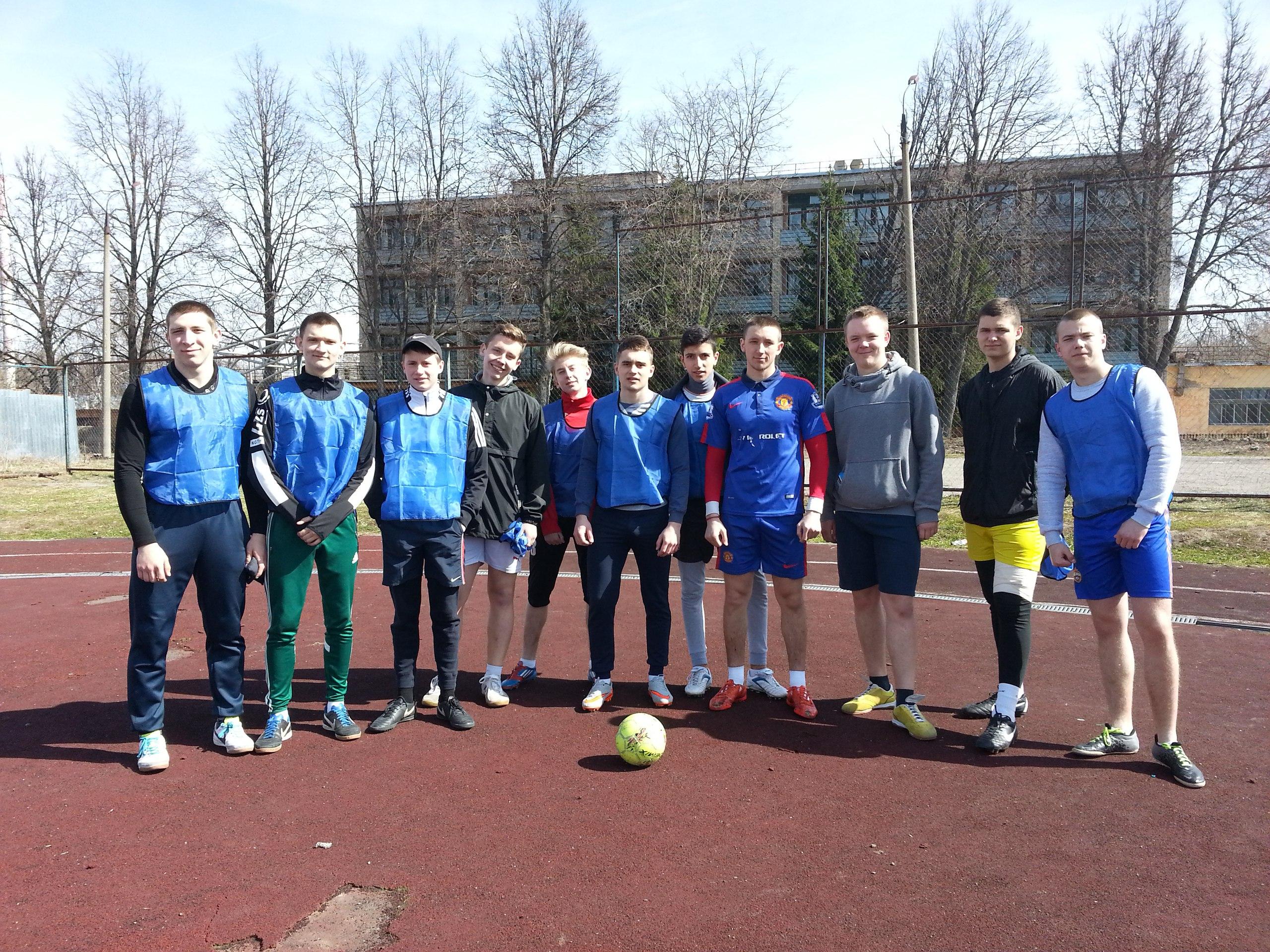 Первое место в соревнованиях по мини-футболу