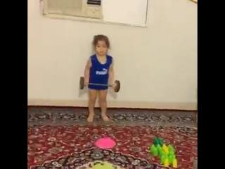 2-летняя девочка чемпионка
