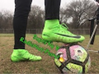 Nike Mercurial Superfly 5 Radiation Flare Pack - Review and Playtest