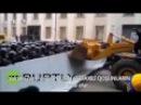 Xalqına qarşı çıxan Polisin və Daxili Qoşunların aqibəti belə olur Mitinqlər Ukraynada baş tutub
