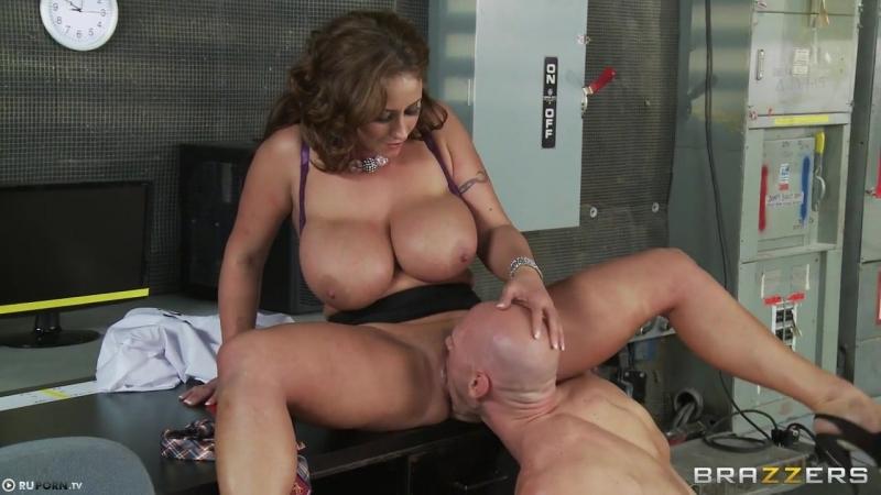 Парня актер в перерыве трахнул новенькую в прямом эфире порно писсинг