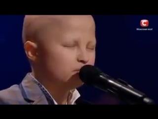 Коли хлопчик, який пережив 15 хіміотерапій, пише пісні та співає для бійців АТО, ти розумієш, що не маєш права здаватись...