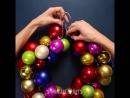 Новогодние украшения за 5 минут: венок из вешалки и снежинки из клея